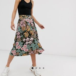 Floral and black midi skirt